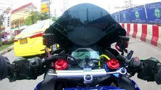 Yamaha R15 รีบขับไปทำงานดีกว่า