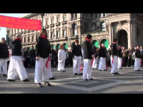 Tai Chi al Capodanno Cinese in piazza Duomo a Milano Associazione Elicoides