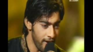 Aap Ko Bhool Jayein ( Sara Raza _ Ali Abbas) (HQ) - YouTube