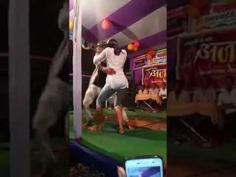 Xxx Mp4 Super Arkesta Sexy Bhojpuri Video Song Mari Siwan Wala Kach Kach 3gp Sex