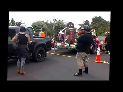Peppa pig in the 2016 Santa parade NZ