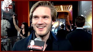 PEWDIEPIE and the CAST OF ENDER'S GAME talk FANGIRLING!