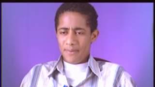 بداية مشوار النجم محمد رمضان ... يقلد أحمد زكي والسادات سنة 2004 الجزء 2