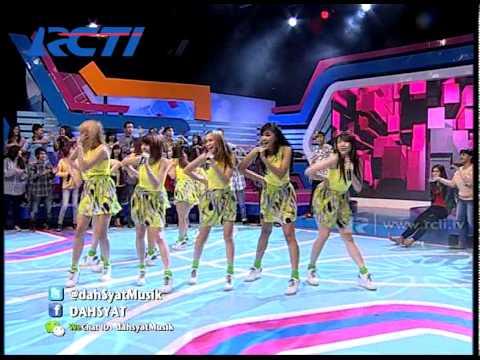 "Cherrybelle ""Pura Pura Cinta"" - dahSyat 19 Juni 2014"