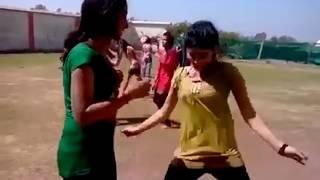Deshi girls and deshi dance