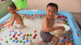 Fun Water Games For Children [Learn Colors and Catching Fish]-Colors Video For Kids