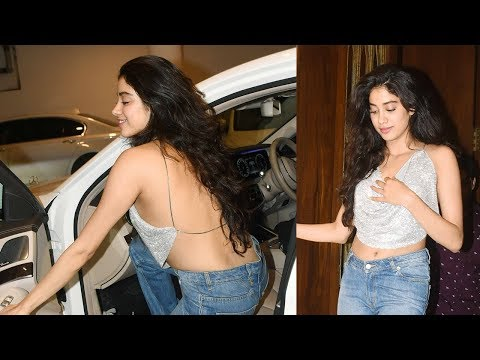 Xxx Mp4 Sridevi's Daughter Jhanvi Kapoor Flaunts Her SEXY Back Again And Again 3gp Sex