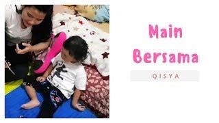 Main Bersama Keponakan   Qisya