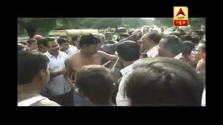 Gwalior: Mob beat up DSP after his car hit the vegetable and fruit vendors on road