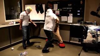 El Perro Guarumo y Erazno se pelean con El Ninja en el Show de Erazno y la Chokolata