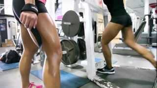Filipino Bodybuilders - Meriza De Guzman & Francine Sablan