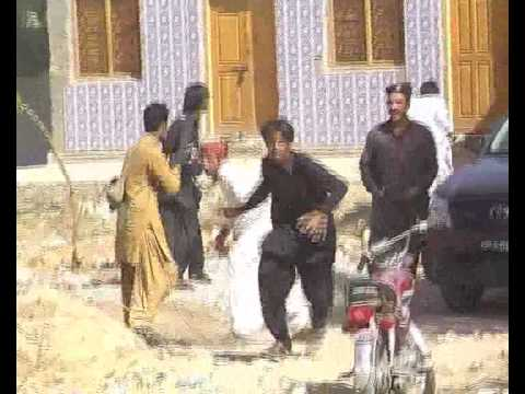 Jacobabad Jakhrani Criminals Fighting With Police.flv