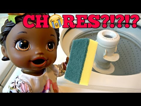 BABY ALIVE does CHORES! CLEANING and MORE CLEANING! The Lilly and Mommy Show. The TOYTASTIC Sisters.