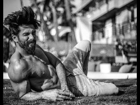 Xxx Mp4 Shahid Kapoor Voted Asia S Sexiest Man 2017 Bollywood ShahidKapoor 3gp Sex