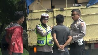 Supir Truk Kelebihan Muatan Mencoba Suap Polisi - 86