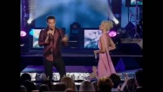 Christina Aguilera & Ricky Martin Nobody Wants To Be Lonely VMA 2001