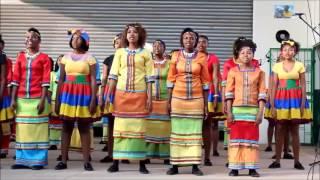 Ndlvou Youth Choir zusammen mit Mzani Youth Choir