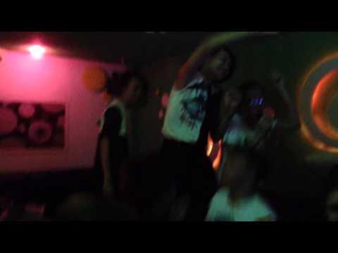 Karaoke thác loạn