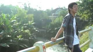 Naufal Samudra - Tell Me How You Feel (Official Music Video)