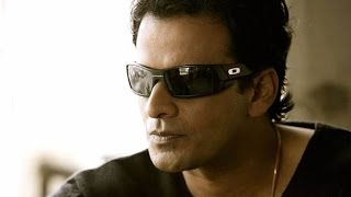 Manoj Bajpayee To Make Out With A Man In Hansal Mehta's Next!