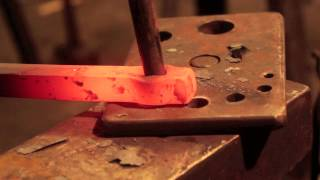 Blacksmithing techniques - How to punch and drift.