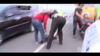 Pria ini Terjatuh Dari Motor Saat Bripda Andre Menilang Truk Bermuatan Lebih - 86
