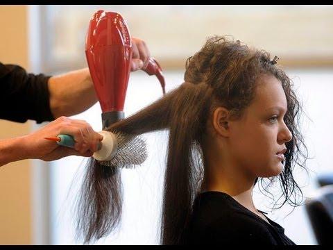 Técnica para secar el cabello profesionalmente con el cepillo redondo