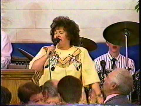 Betty Jean Robinson Singing John Tells Of A City