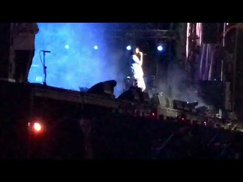 J. Cole - Motiv8 (Live at Hard Rock Stadium in Miami Gardens of the Rolling Loud Festival)