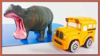 ANIMAL RACE!! Bussy & Speedy's ZOO TRIP! - Toy Car SUPERHEROES Cartoons for Kids! Bburago