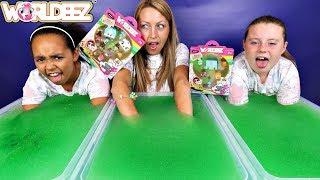 SUPER GROSS! Gelli Baff Slime  Toy Challenge - New Worldeez Surprise Toys Opening