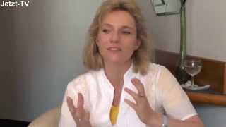 Kerstin Landwehr: In dem verweilen, was weder kommt noch geht
