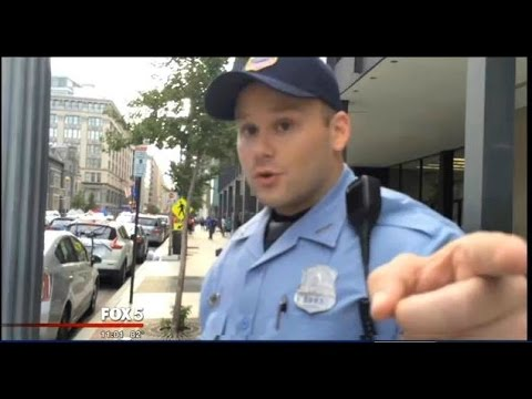 Washington D.C Police Officer VIOLATES Policy, CONFRONTS Man For RECORDING  ARREST!!