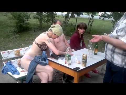 seks-videoroliki-s-pyanimi