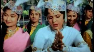 Mughal - E - Azam - Teri Mehfil Mein Qismat - YouTube.flv