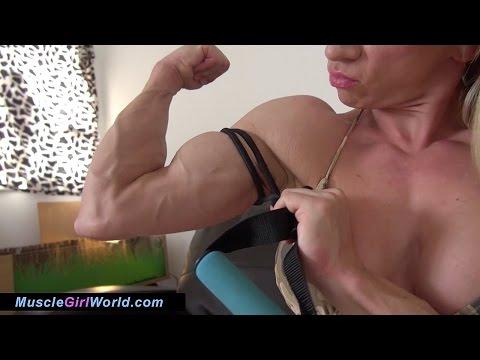 Muscle Girl World Unreal Veins