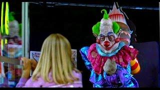 Payasos asesinos del espacio exterior - Escena de titeres Puppet Show