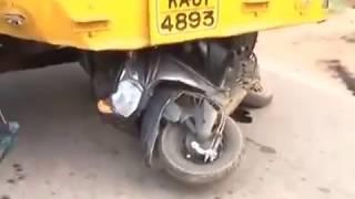 देखो  किस तरह  ट्रक दुर्घटना किया - Live truck accident caught on Camera in india