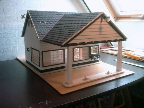 Building a Scale model house Old Gas Station in 1 18 scale Alte Tankstelle im Masstab 1 18
