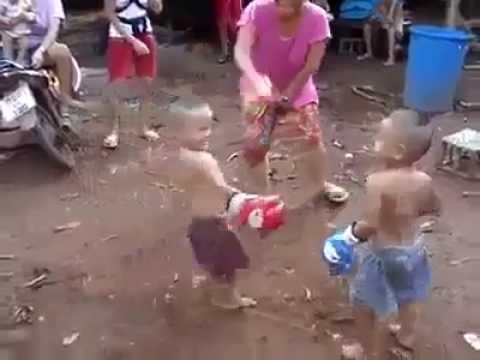 Niños que pelean mejor que adultos Pakeloseas Com