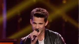 The Voice Battle Round - Dez Duron Vs Paulina - Just the way you are