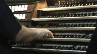 Toccata e fuga in re minore di Bach suonata all'organo del Duomo di Messina da Don Giovanni Lombardo
