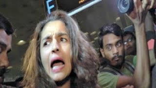 Bollywood Actress Angry On Media - Video Compilation