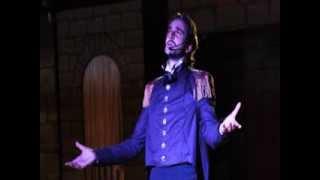 Pierpaolo Laconi canta