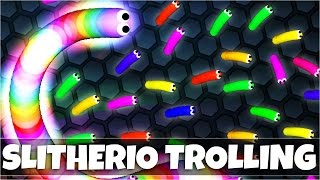 TROLLING PEOPLE IN SLITHERIO | BIGGEST SNAKE - Slither.io Funny Moments