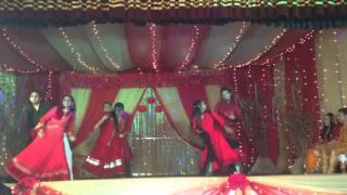 The best dance of Nawpuz holud lol Subha hone na de :D :D