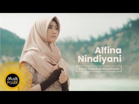 Alfina Nindiyani - Innal Habibal Musthofa (Music Video)