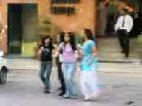 Girls fight lahore main market............