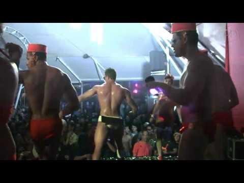 Go go boy bem dotado tem mala censurada Festa Dukesa Terra Encantada Pheeno TV
