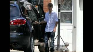 ‪Justin Bieber and Selena Gomez spotted in Justin s hometown in Stratford 200+PHOTOS‬‏   YouTube